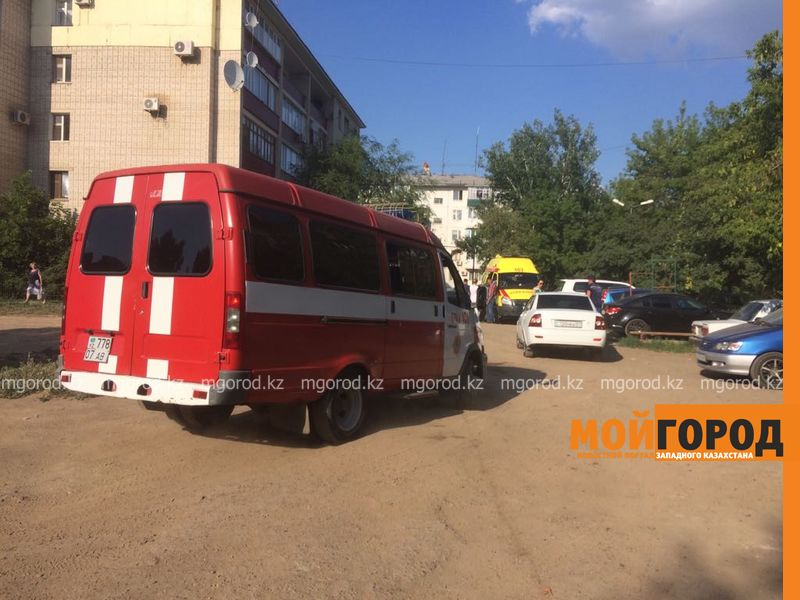 Новости Атырау - В центре Атырау пожар уничтожил цветочный магазин