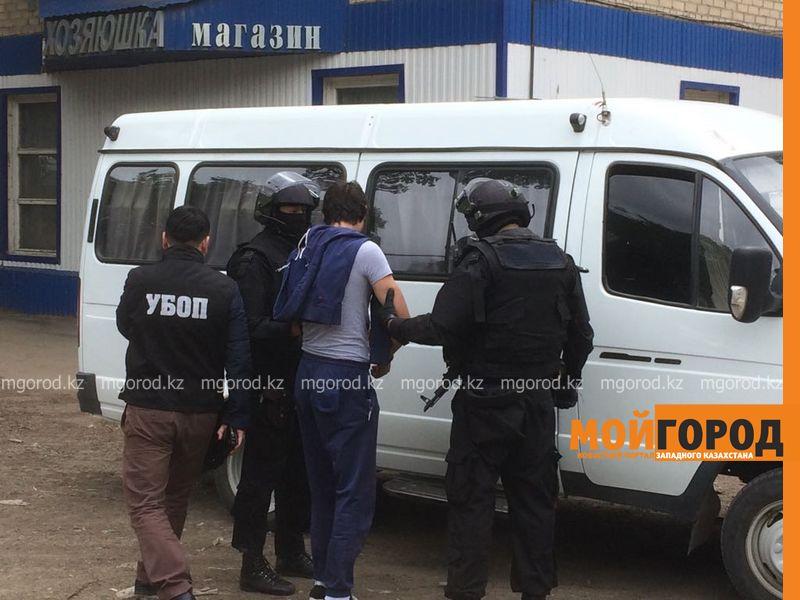 Новости Уральск - В Уральске проходит задержание с участием спецназа (фото)