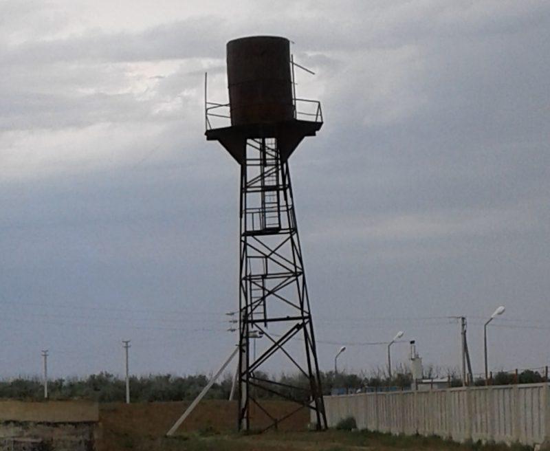 Новости Атырау - В Атырау пьяный мужчина уснул на водооткачивающей башне