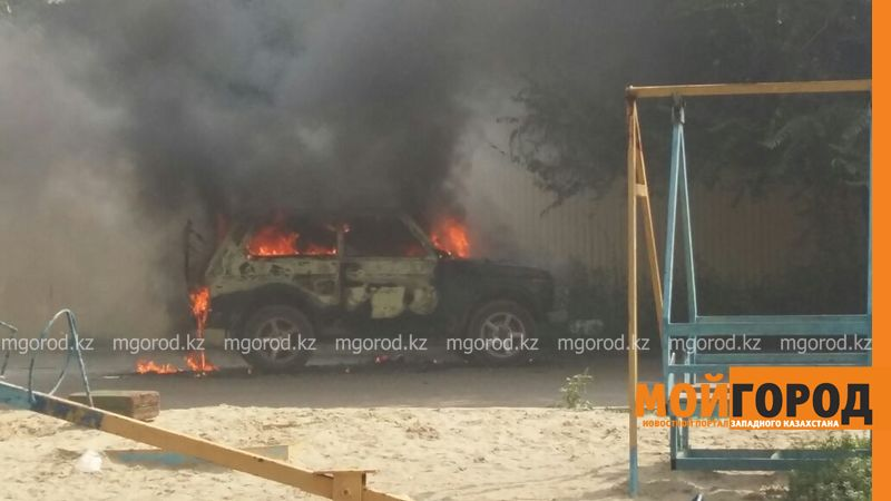 Автомашина полностью сгорела в Уральске