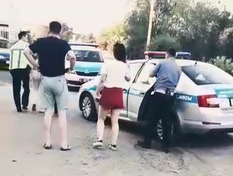 Массовая драка девушек произошла в Уральске (фото, видео)