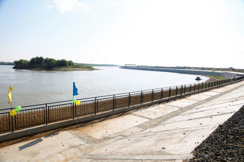 Суд приостановил берегоукрепительные работы на набережной Атырау