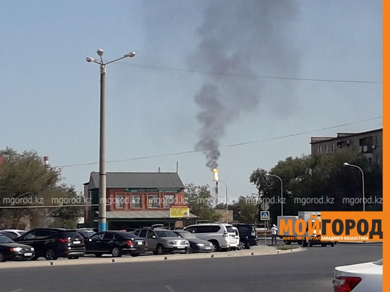 Горящий факел на Атырауском НПЗ напугал жителей Атырау