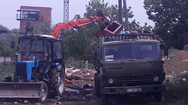 Новости Уральск - На стихийной свалке в Уральске навели порядок