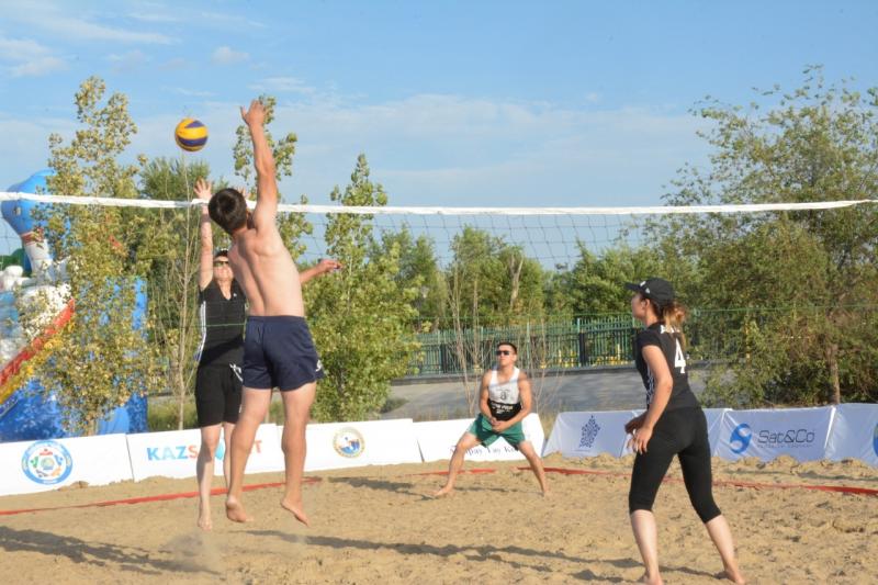 Новости Атырау - В Атырау прошли соревнования по пляжному волейболу