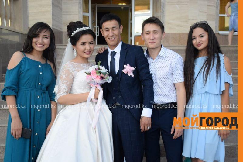 В Уральске женился парень, подаривший свою почку незнакомой девушке из Шымкента