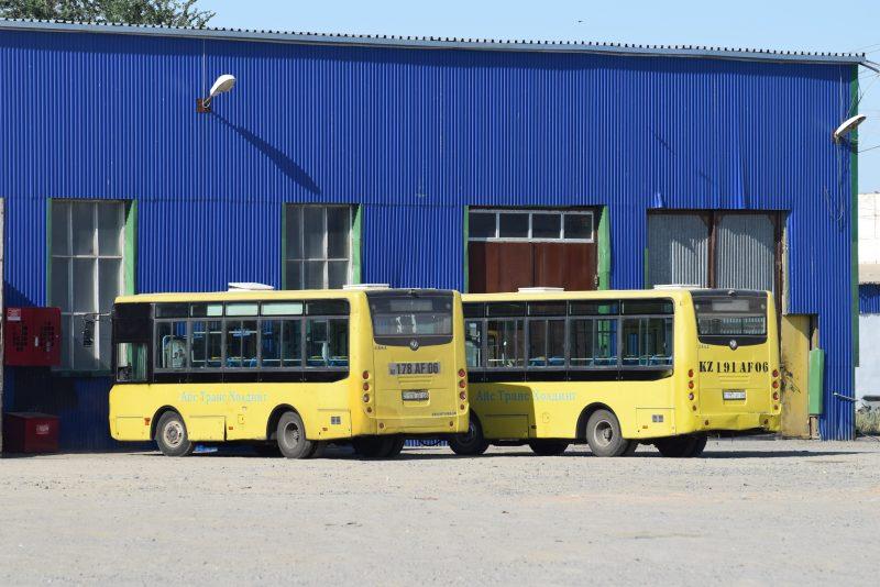 В Атырау около 300 кондукторов и водителей обучат электронному билетированию