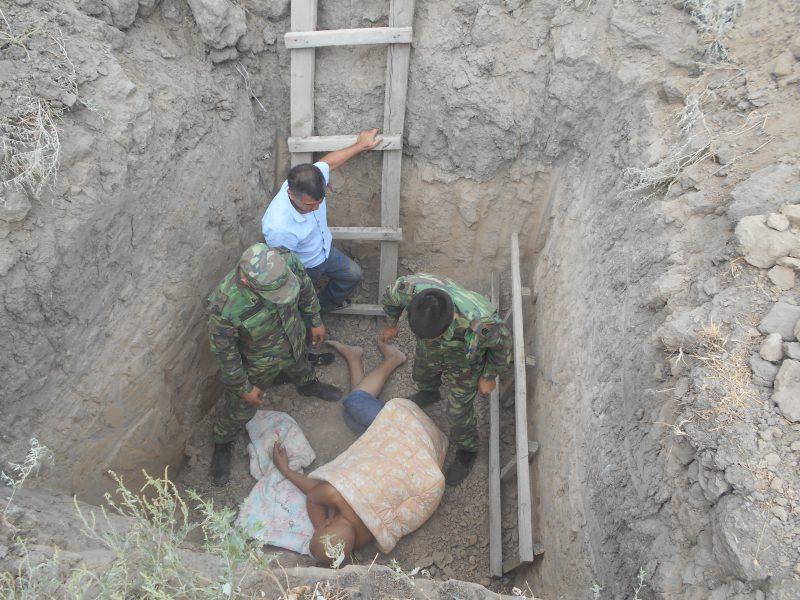 Новости Атырау - В Атырау незрячий инвалид упал в трехметровую яму