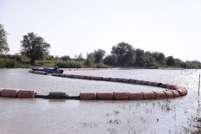 Новости Атырау - В Атырауской области продолжаются работы по дноуглублению рек Кигач и Урал