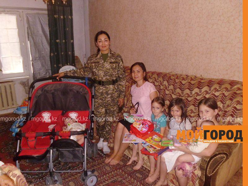 Военнослужащие помогли собрать в школу детей из 25 семей