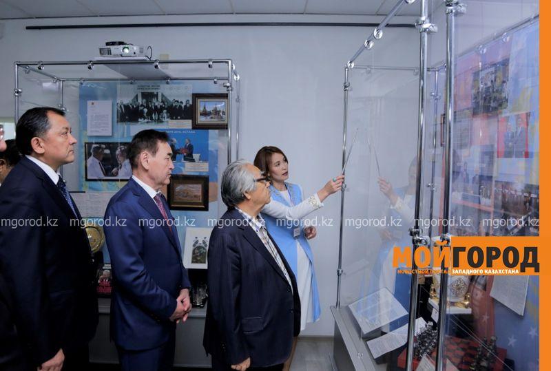 Новости Уральск - В Атырау впервые прибыла передвижная выставка главы государства