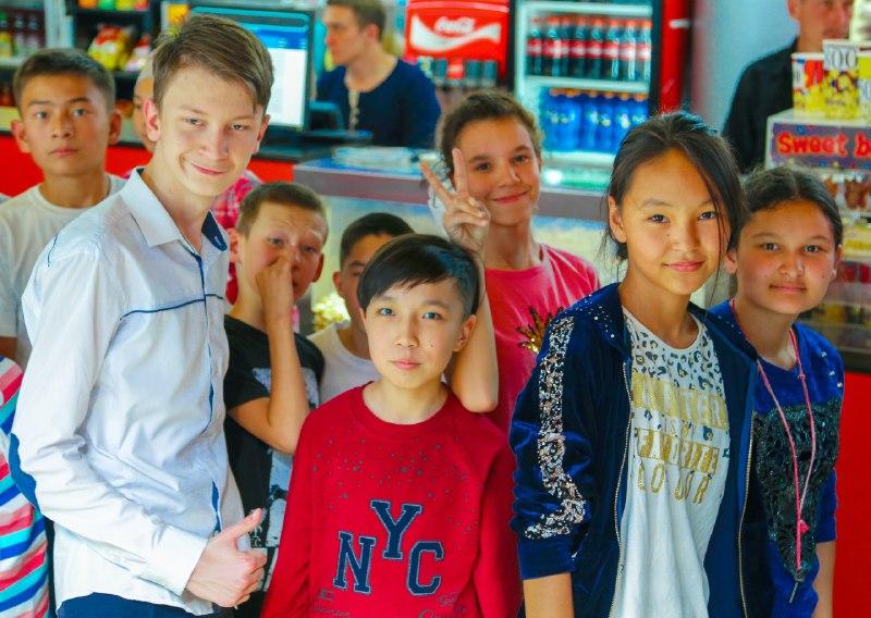 Новости Уральск - «Кселл» и MEGOGO реализуют совместный социальный проект «Смотри как слышно»