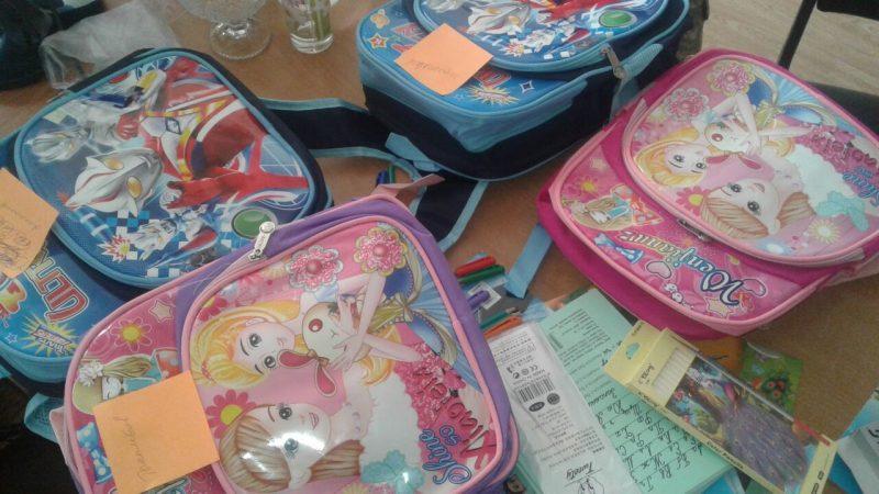 Новости Атырау - В Атырау военнослужащие помогли собрать в школу 50 детей из нуждающихся семей