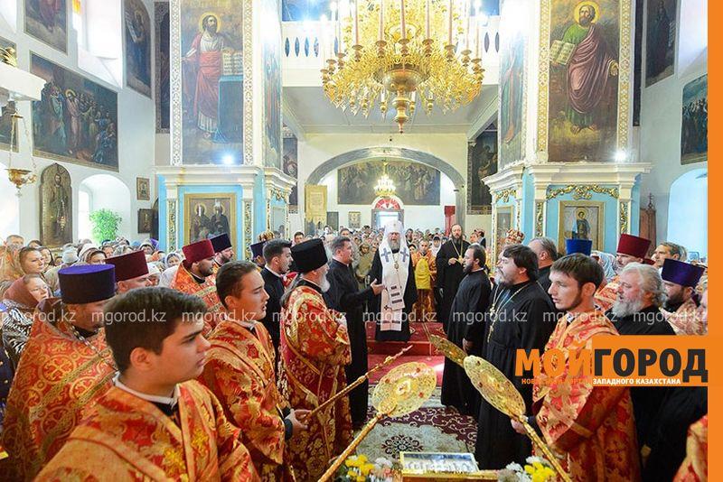 Новости Уральск - Тысячи уральцев поклонились православной святыне