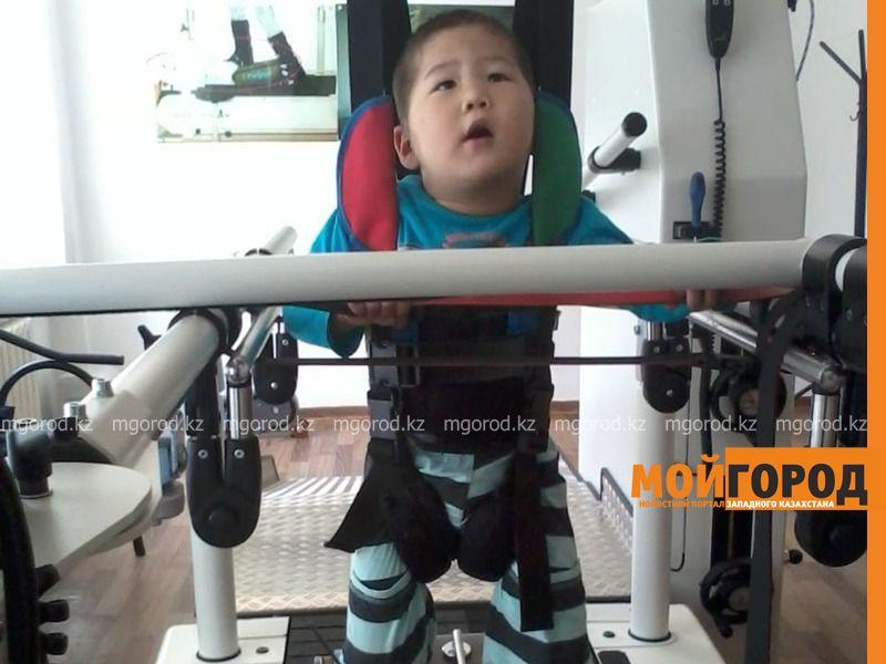 Новости Уральск - Мой сын хочет учиться в обычной школе - мама ребенка-инвалида из Уральска