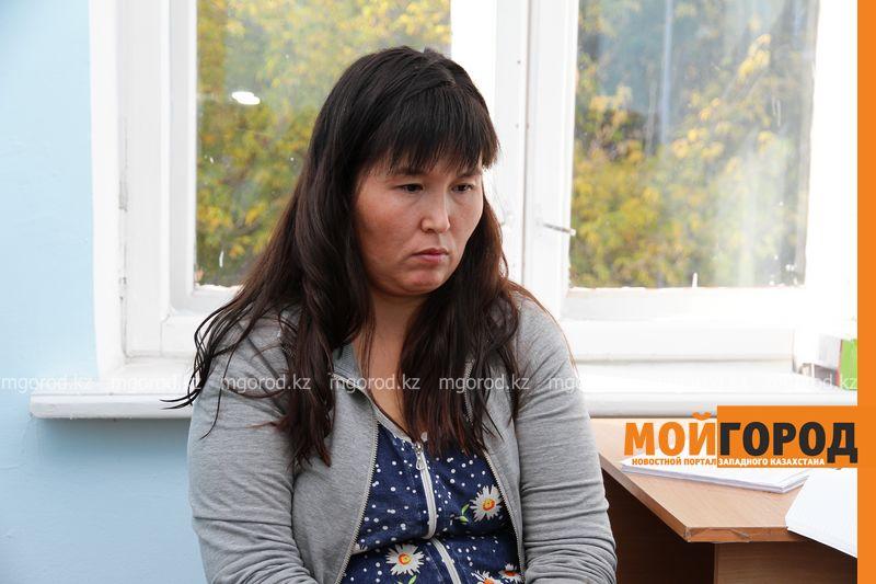 Новости Уральск - 38-летняя женщина год прожила с ребенком на вокзале Уральска