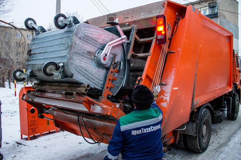 Новости Уральск - Не утонуть в мусоре