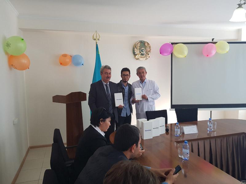 Новости Актау - Samsung подарил планшеты казахстанским больницам