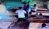 В Атырау уволили полицейских, избивших хозяина кафе
