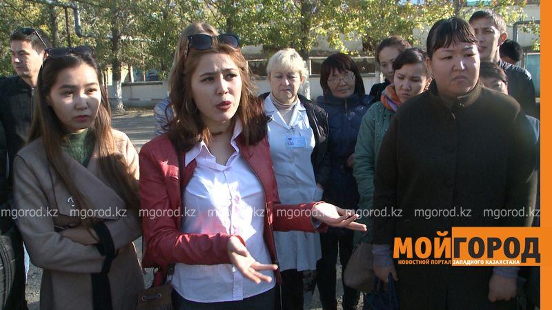 Врачи станции скорой помощи в Уральске пожаловались на большую нагрузку и задержку зарплаты (фото, видео)