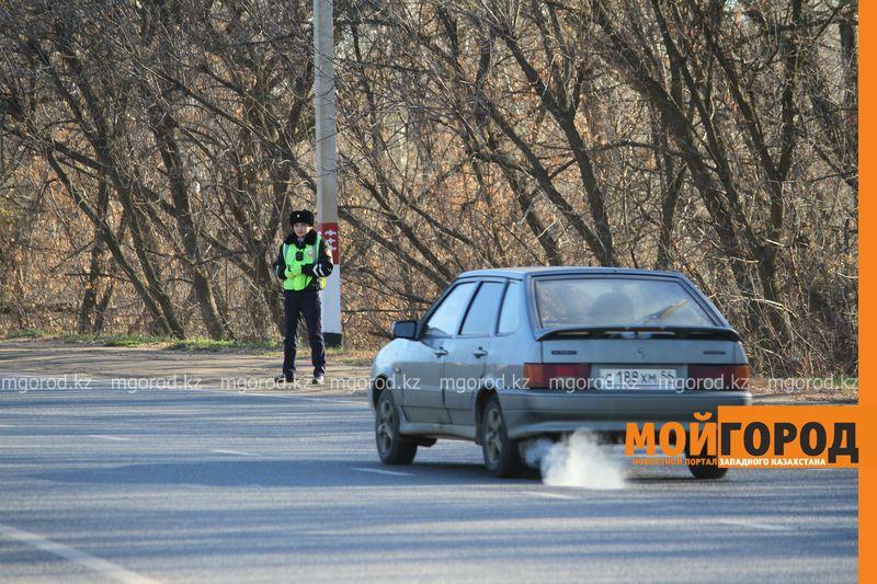 Полицейские Уральска задержали водителя, задолжавшего 1,2 млн тенге
