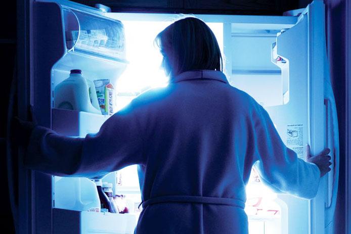 Новости Медицина - Как отучить себя от привычки есть вечерами?