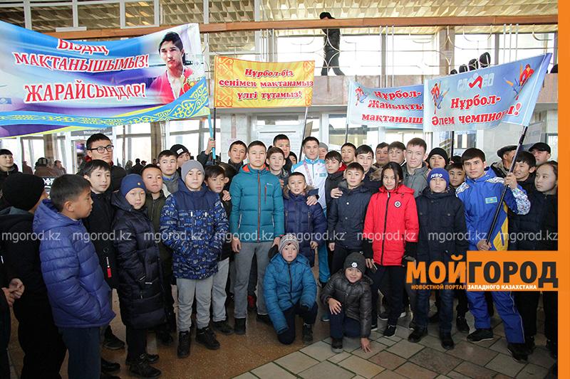 Новости Уральск - В аэропорту Уральска встретили чемпиона мира по самбо