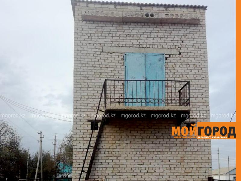 Новости - Аким Актюбинской области отчитал энергетиков за неогражденные трансформаторы возле школ