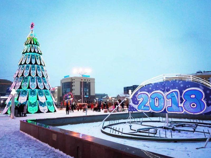 Новости - В Атырау тратить деньги на новую елку не будут