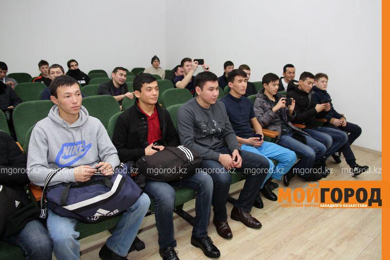 Новости Уральск - Тренироваться в Казахстане очень сложно - боец UFC из Уральска Дамир Исмагулов