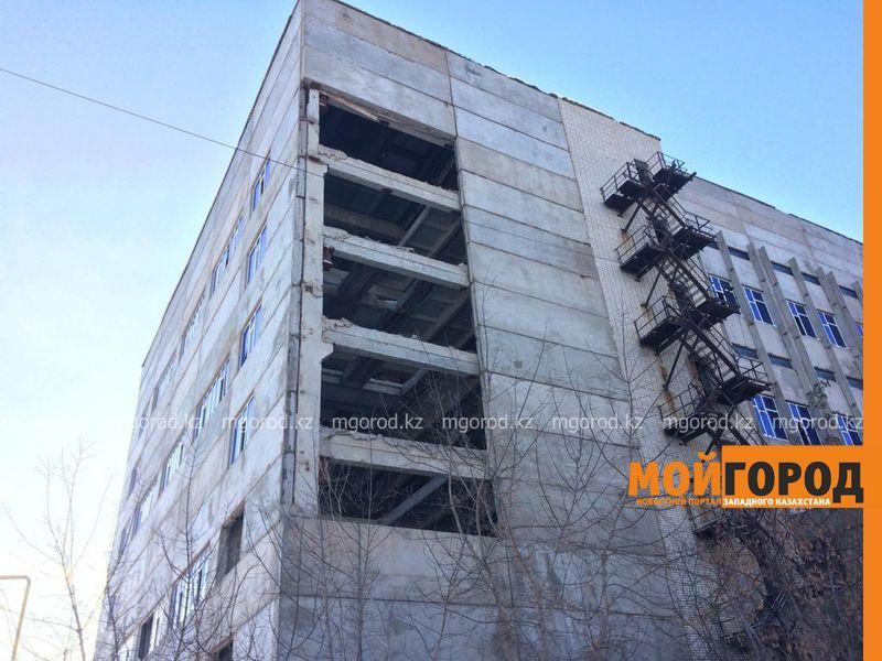 В Уральске обрушилась стена девятиэтажного здания