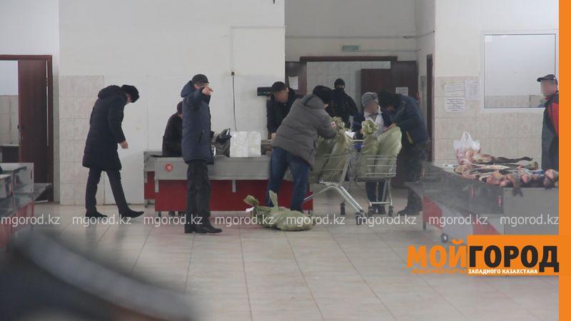 В Уральске прошло задержание продавцов рыбы