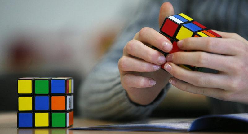 Впервые в Атырау пройдет чемпионат по скоростному сбору кубика-рубика