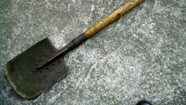 В Атырау гражданин Узбекистана избил земляка лопатой