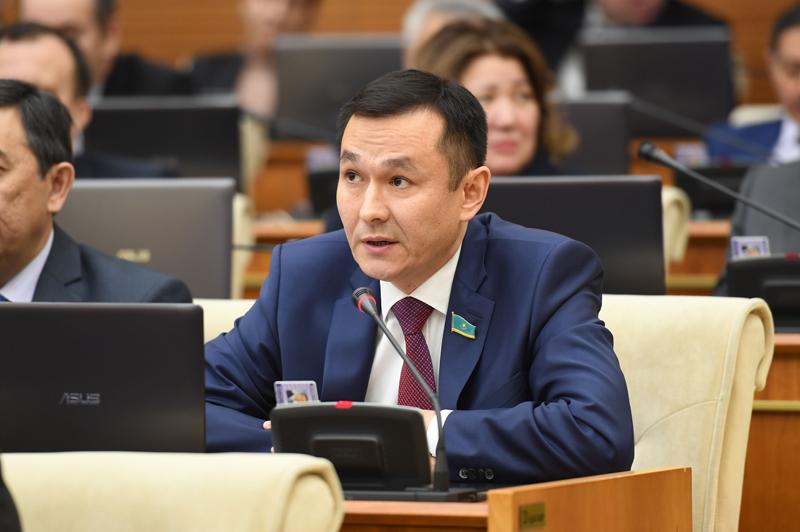 Новости Уральск - Государственная денежно-кредитная политика нуждается в пересмотре