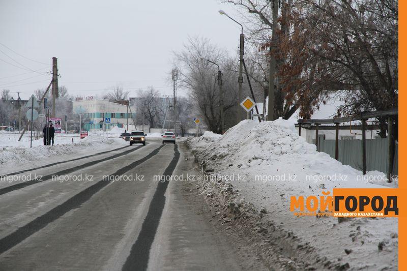 Жители Уральска недовольны уборкой снега