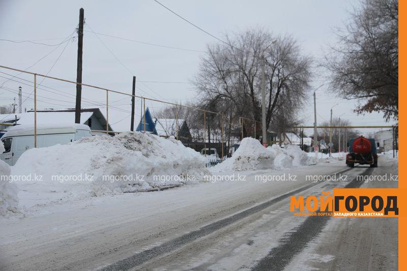 Новости Уральск - Жители Уральска недовольны уборкой снега