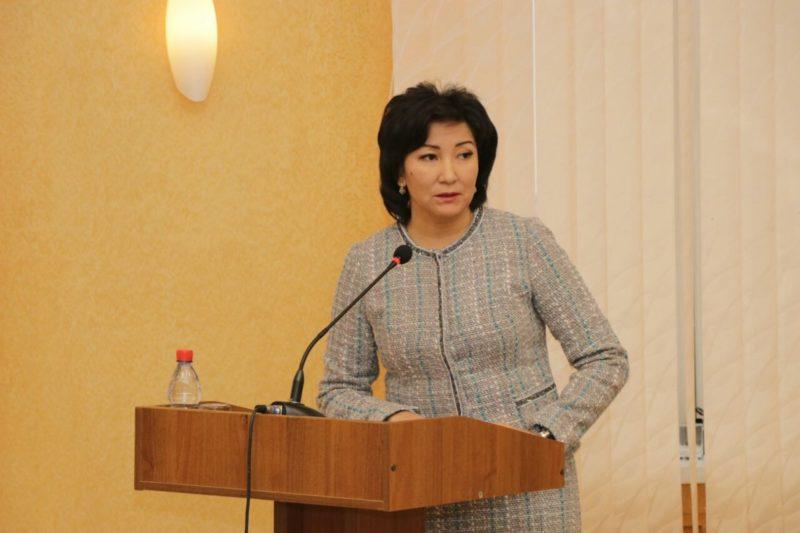 Экс-замакима Атырауской области приговорили к лишению свободы за получение взяток