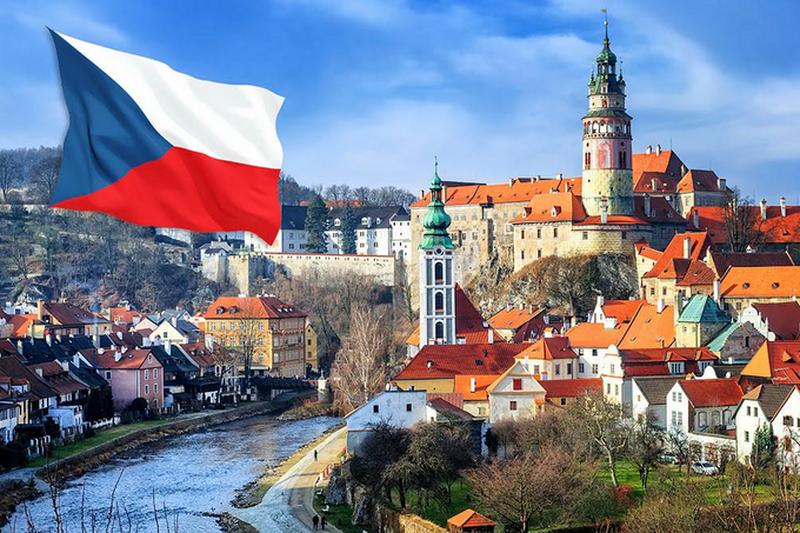 Новости Уральск - О бесплатном образовании в Чехии расскажут в центре «Destination»