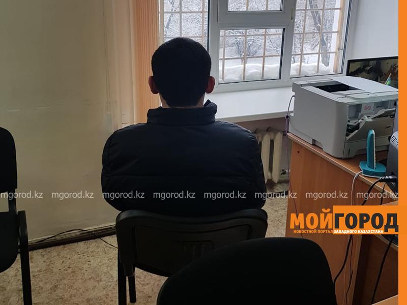 Новости Уральск - Полицейские задержали подозреваемого в серии краж сотовых телефонов