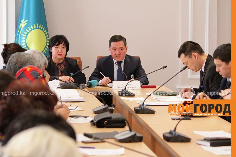 Новости Уральск - Названы причины скопления большегрузов на казахстанско-российской границе