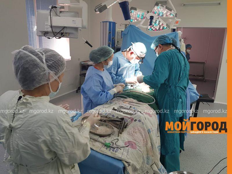 Повысить зарплаты врачей поручил президент Казахстана В Актюбинской области не хватает 68 врачей