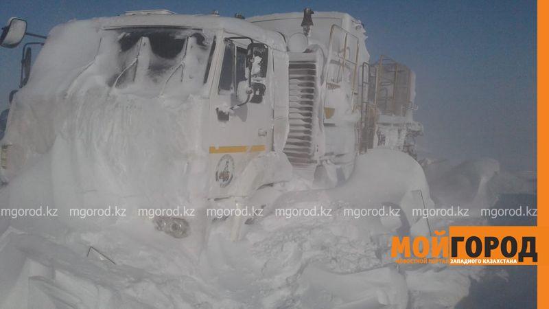 Граждане Узбекистана ехали в автобусе с газовым баллоном и плиткой для обогрева (фото, видео)