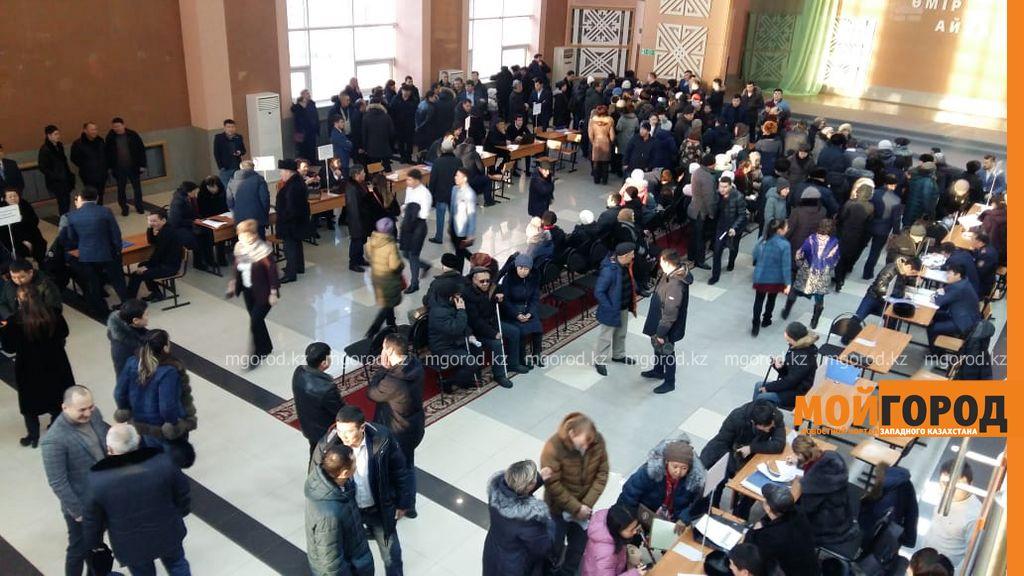 Аким города принимает жителей Желаево