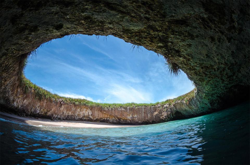 Новости Актау - Невероятные места Земли. Пляжи - которые хочется увидеть хоть раз в жизни.