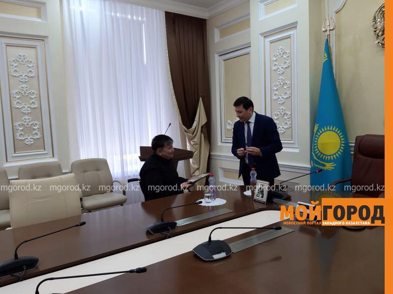 Новости Уральск - Аким ЗКО наградил предпринимателя благодарственным письмом от президента