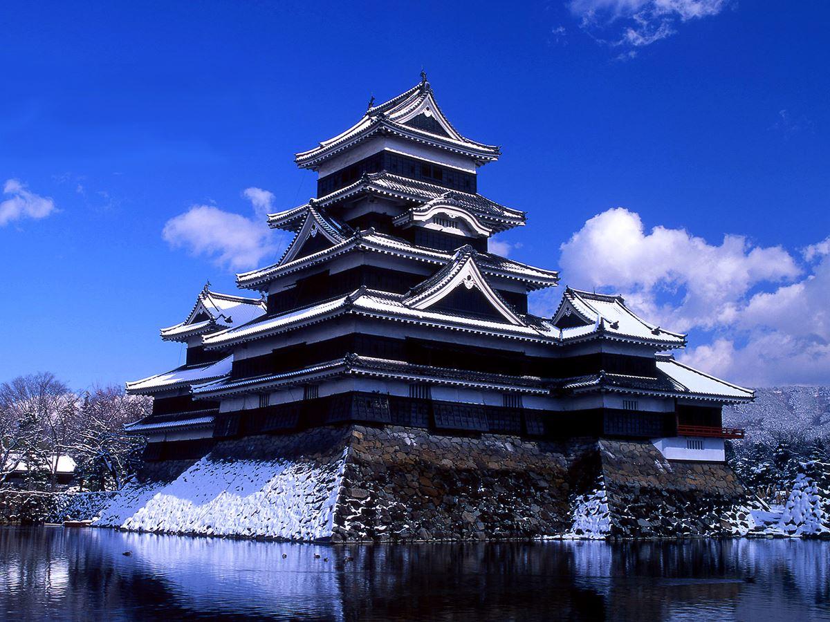 Новости Актау - Привидения, вампиры, самураи - прогуляемся по мировым замкам.