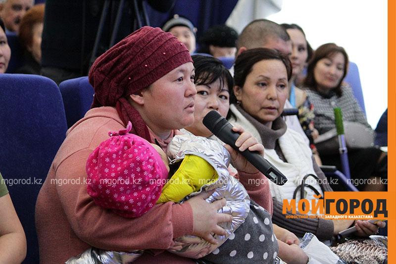 Новости Уральск - Многодетные матери пришли на встречу с министрами в Уральске
