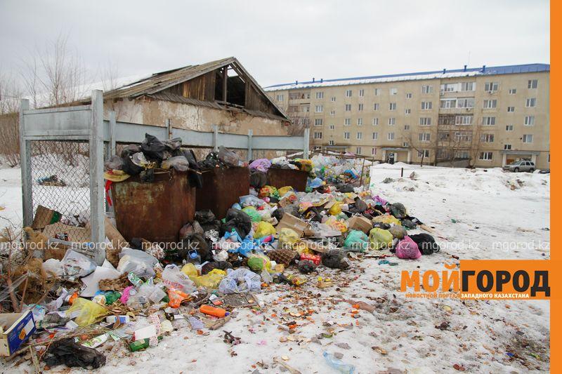 Новости Уральск - Мусор не вывозят неделями - жительница Уральска