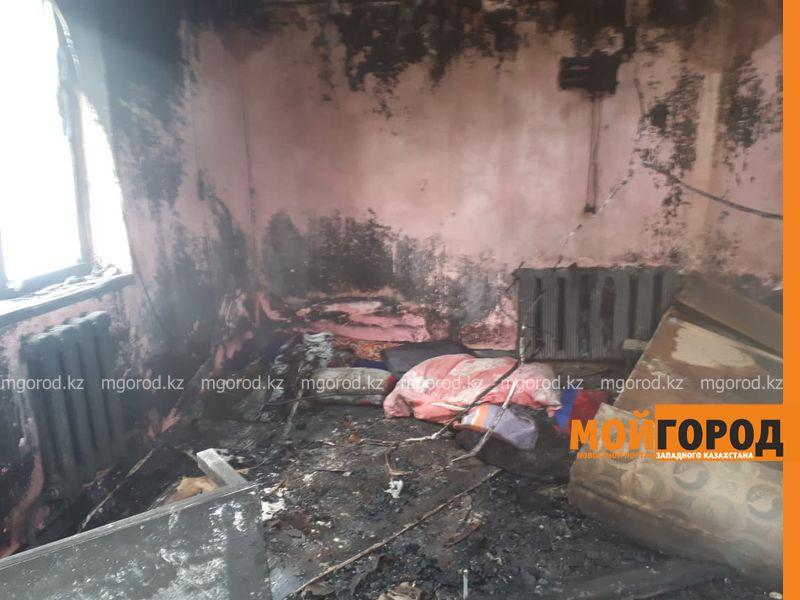 У многодетной семьи в Актобе сгорел дом